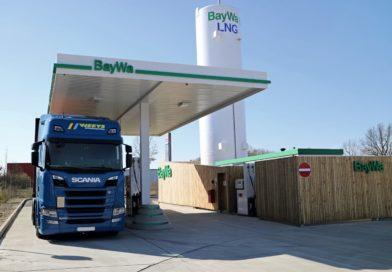 Weniger CO2 im Schwerlastverkeher erste LNG-Tankstelle in Wolfsburg