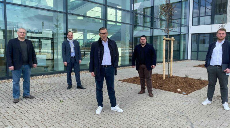 Gruppenbild der Verantwortlichen für den Engineering Campus von Capgemini
