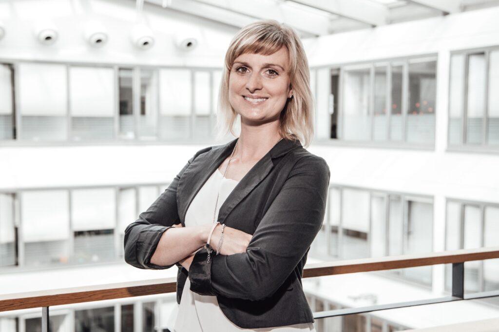 Diana Hübel von der WMG unterstützt Gäste und Kunden vor, während und nach Ihren Tagungen und Kongressen