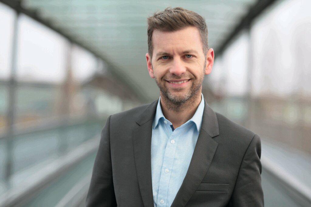 Dennis Weilmann, Erster Stadtrat und Dezernent für Wirtschaft, Digitales und Kultur der Stadt Wolfsburg.