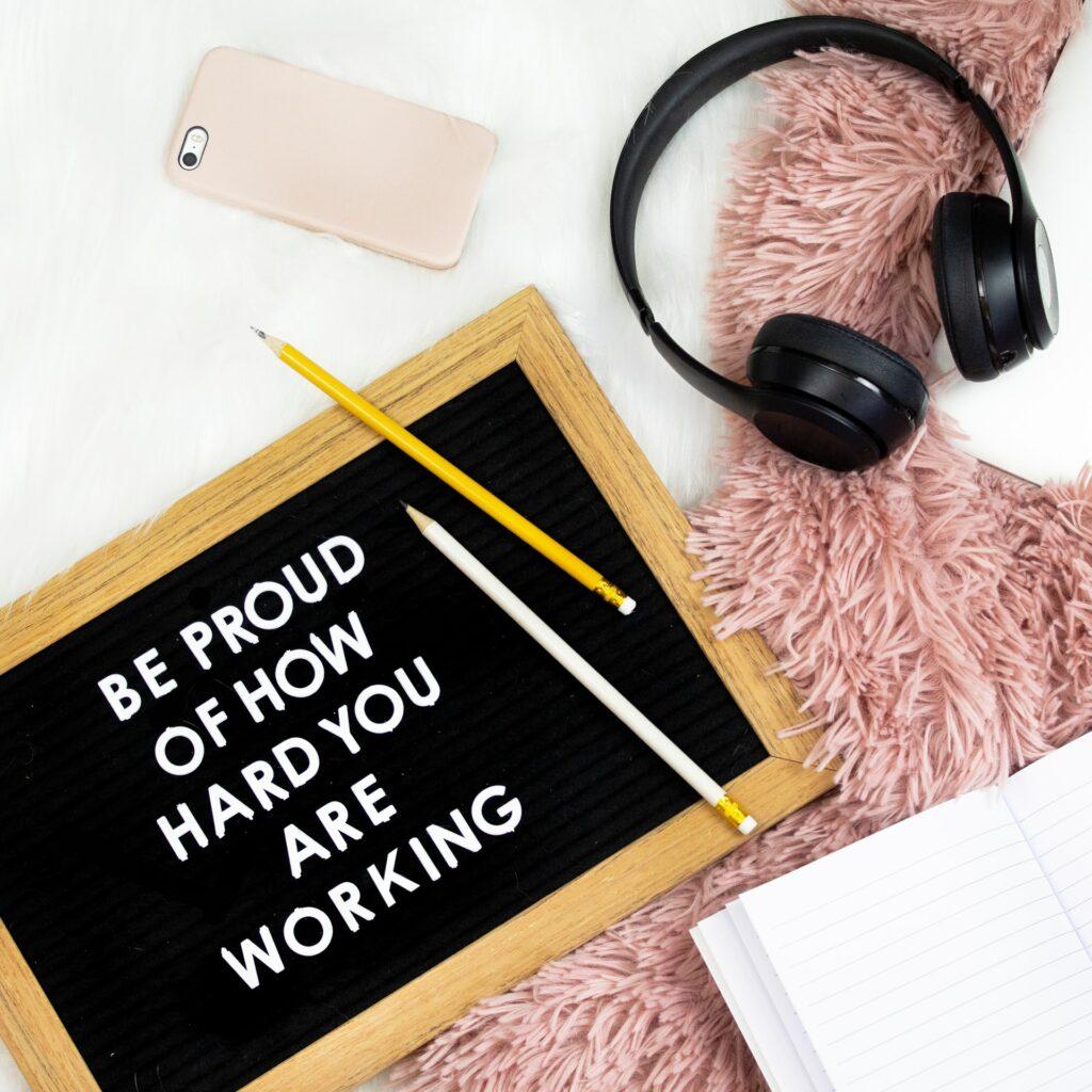 Routinen zu entwickeln kann die Motivation positiv beeinflussen. Also immer dranbleiben.